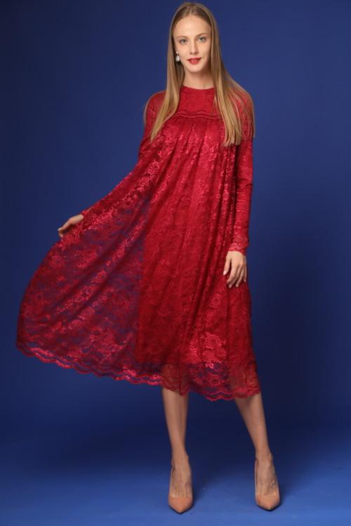שמלה אדומה ארוכה