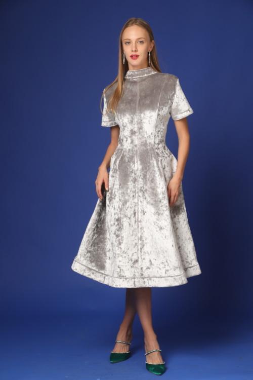 שמלת קטיפה ארוכה